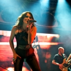 2011-11-17-within-temptation-200