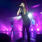 2012-02-07-guano-apes-085